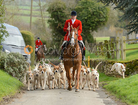 Andrew Osborne and hounds leaving Brooke