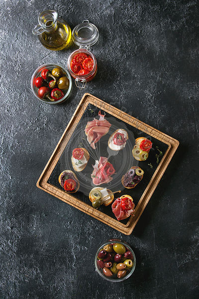 Tapas or bruschetta