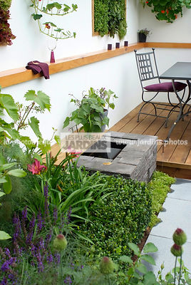 Garden chair, garden designer, Garden furniture, Garden table, Mini pond, Small garden, Very small pond, Ironwork