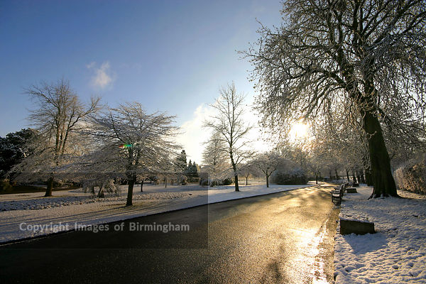 Cannon Hill Park, Birmingham. Under snow.  England UK