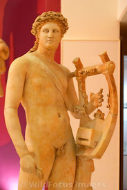 041019C-091-TM-Roman_Statue-Apollo