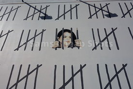 Bansky returns to New York City with tribute to jailed Turkish artist