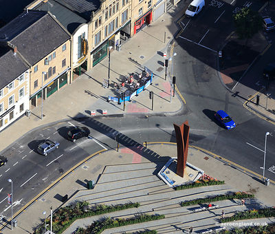 aerial photograph of the 5.7 tonne sculpture Crossing (Vertical)