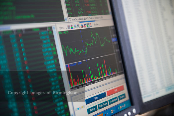 Stocks and shares trading monitor