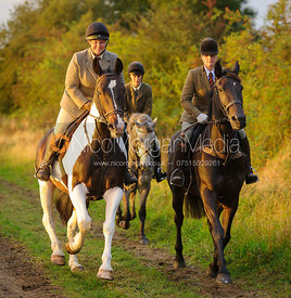 The Cottesmore Hunt canter towards Mrs Wilson's covert 27/9