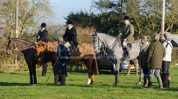 At the meet - Belvoir Hunt at Grange Farm, Scalford 8/12
