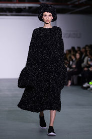 London Fashion Week Autumn Winter 2016 - Xiao Li