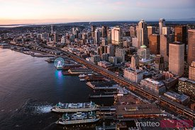 Aerial view of Seattle downtown and the Great Wheel at sunset, USA
