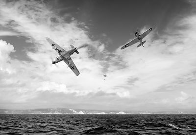 Bf109 down in the Channel BW version