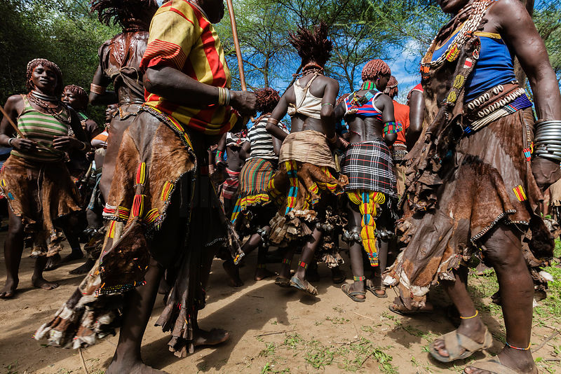 Hamar Women at Pre-Bull Jumping Whipping Ceremony
