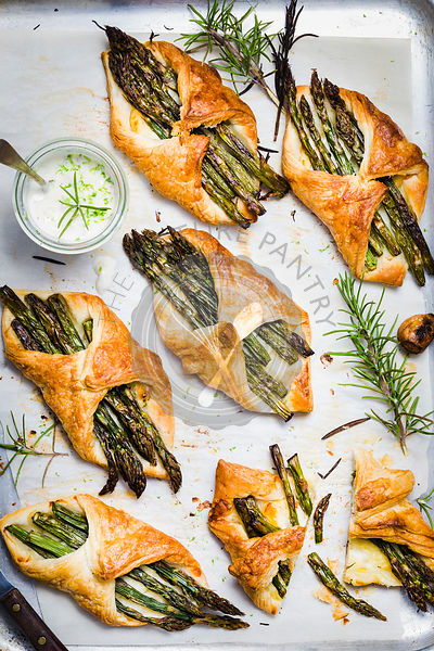 Asparagus and Halloumi Savory Puff pastry served with Vegan Rosemary Aioli