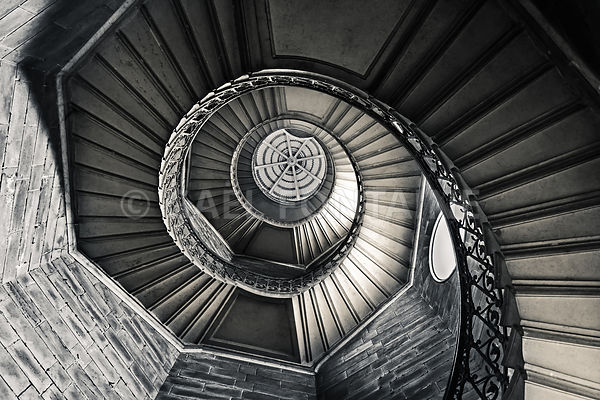 Staircase (6000 x 4000) large