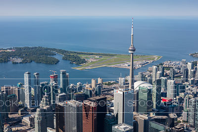 Toronto Skyline and Billy Bishop Airport