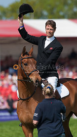 William Fox-Pitt raises his hat as he retires Tamarillo at Badminton Horse Trials 2011