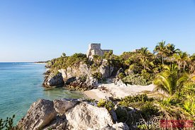 El Castillo in the mayan ruins of Tulum, Mexico