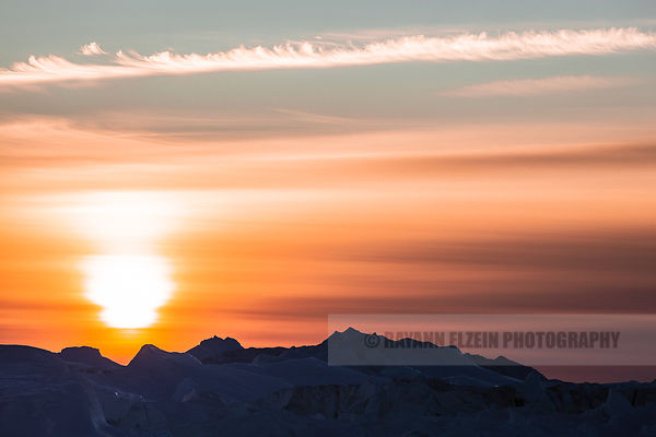 Just before sunset at the Ilulissat Icefjord in Greenland