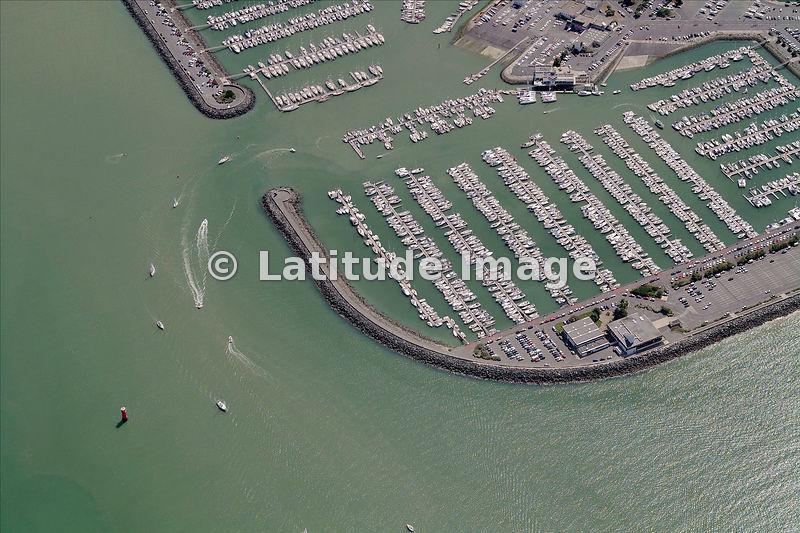 latitude image port des minimes marina aerial photo. Black Bedroom Furniture Sets. Home Design Ideas