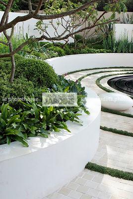 La phototh que les plus beaux jardins massif sur lev for Massif jardin contemporain