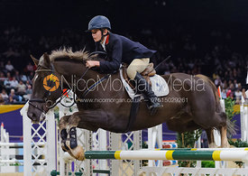 Cameron Thomson and Bonds Glen, Horse of the Year Show 2010