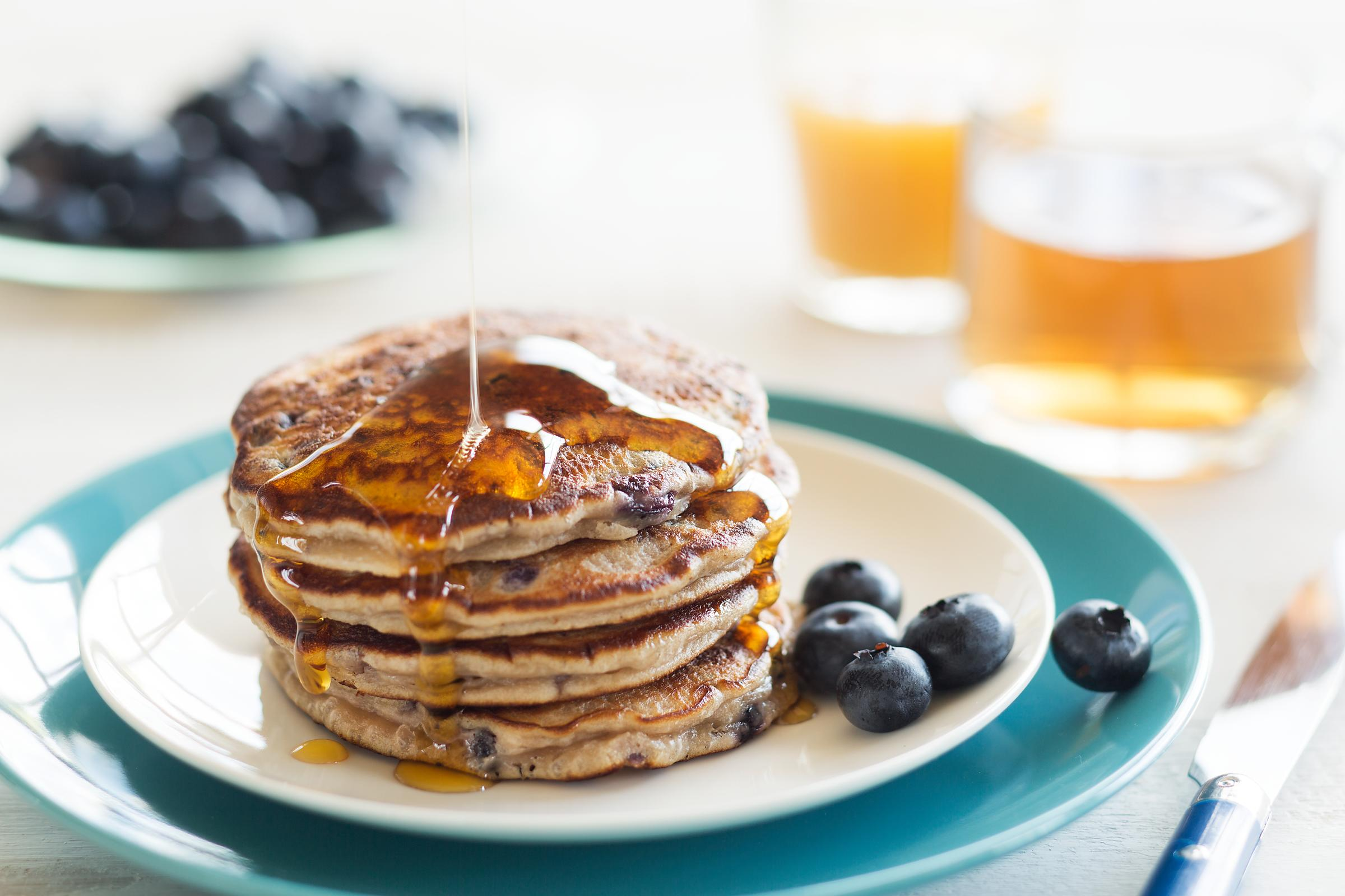 Blueberry_Syrup_Pancakes-HAL158
