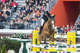 Paris, France, 17.3.2018, Sport, Reitsport, Saut Hermes - PRIX du 24 Faubourg Bild zeigt Laura RENWICK(GBR) riding Top Dollar v....17/03/18, Paris, France, Sport, Equestrian sport Saut Hermes - PRIX du 24 Faubourg. Image shows Laura RENWICK(GBR) riding Top Dollar v..