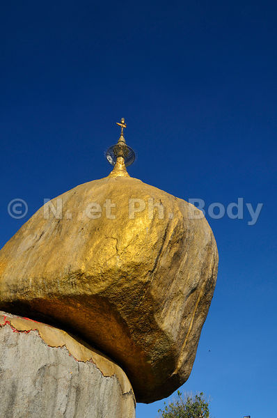 LE ROCHER D'OR, MYANMAR//Burma, Myanmar, Golden Rock