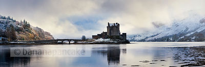 BP2322 - Eilean Donan Castle in winter