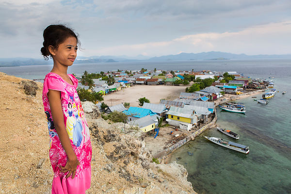 Nabila, 11 ans, Pulau Messah, Flores, Indonésie / Nabila, 11 years old, Pulau Messah, Flores, Indonesia