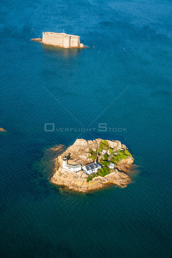 Aerial view of L'ile Louet / Louet Island, Bay of Morlaix, Finistere, Brittany, France, September 2006.