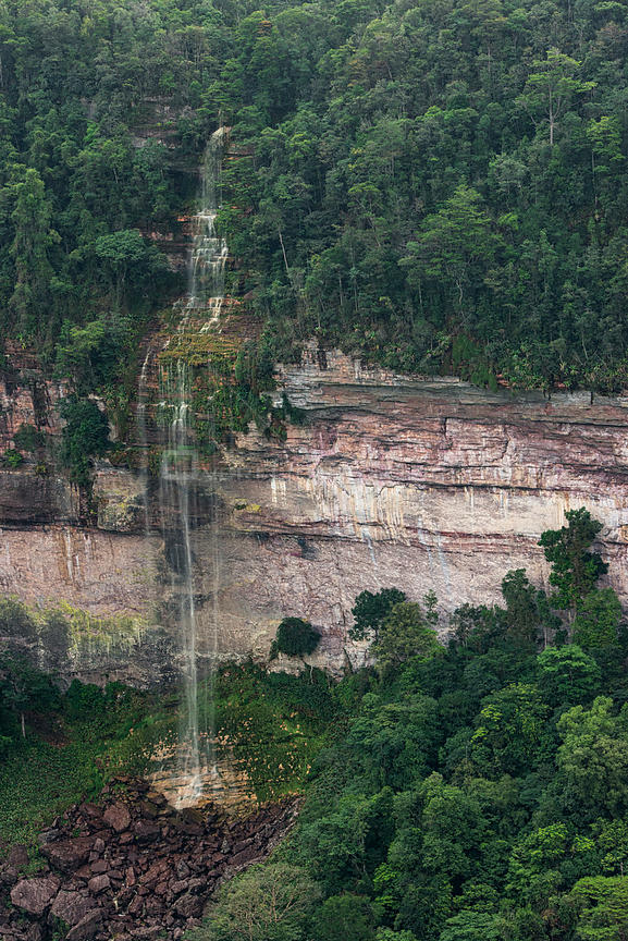 Kaieteur Gorge, Kaieteur Falls is the world's widest single drop waterfall, located on the Potaro river in the Kaieteur National Park, in Essequibo, Guyana