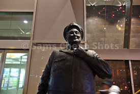 Jackie Gleason as Bus Driver in Honeymooners, Statue, Port Authority, NYC