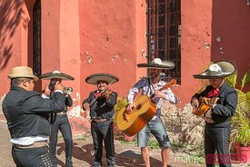 Tourist and mariachi group in Merida, Yucatan, Mexico