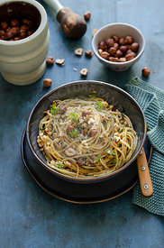 Spaghetti with hazelnut pesto