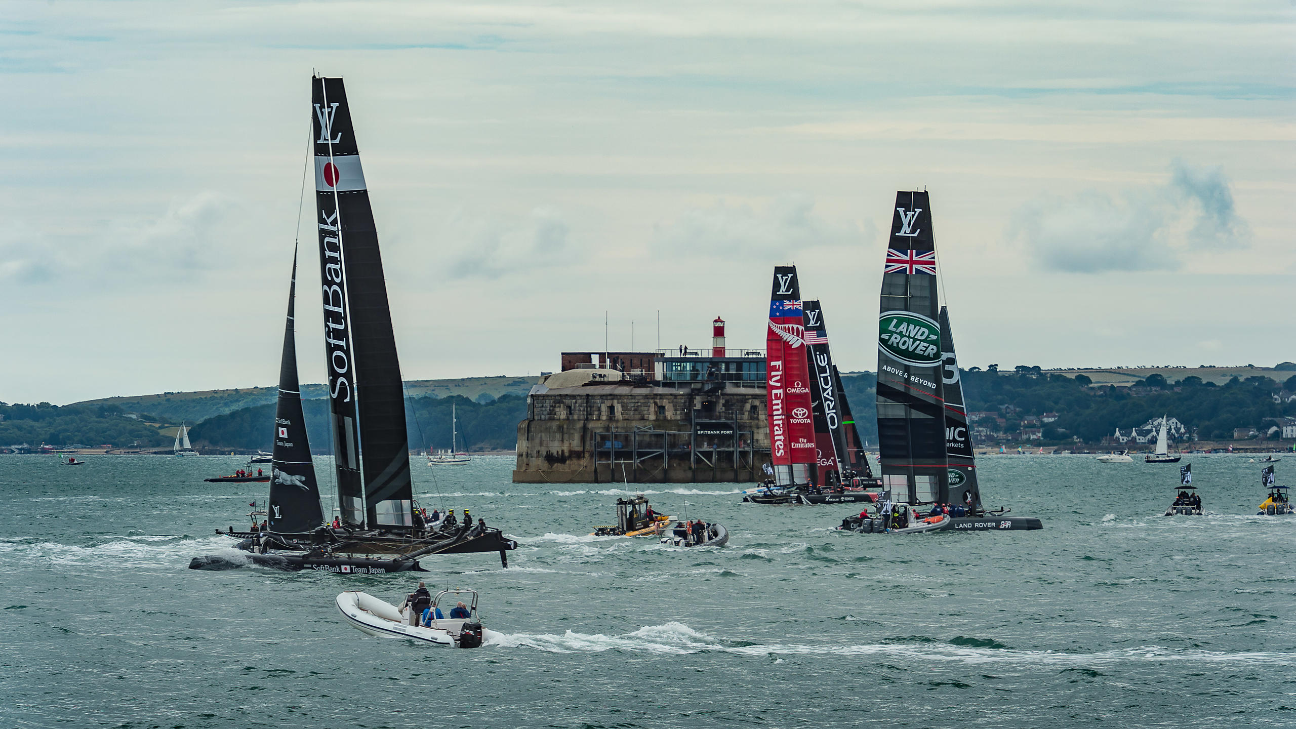 All Six Teams Racing on Day 1 of Americ's Cup Portsmouth 2015
