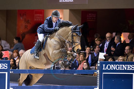 Bordeaux, France, 3.2.2018, Sport, Reitsport, Jumping International de Bordeaux - LONGINES FEI WORLD CUP™ JUMPING. Bild zeigt Robert WHITAKER (GBR) riding Catwalk IV (5*)...3/02/18, Bordeaux, France, Sport, Equestrian sport Jumping International de Bordeaux - LONGINES FEI WORLD CUP™ JUMPING. Image shows Robert WHITAKER (GBR) riding Catwalk IV (5*).