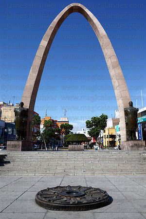 Arch of the Heroes , Plaza de Armas , Tacna , Peru