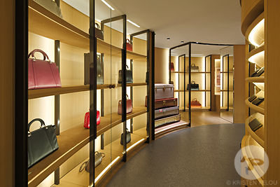 MOYNAT BOUTIQUE PARIS