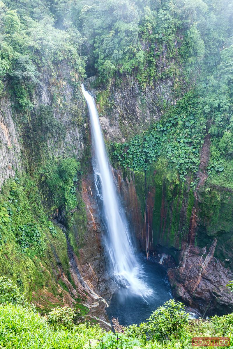 Toro waterfall in the green tropical forest of Costa Rica