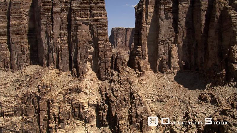 Flying through a notch in Arizona's Little Colorado river Gorge