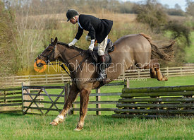 Paul Chenery jumping a hunt jump from the meet