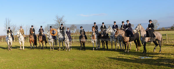 The massed side saddle hunters