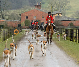 The Belvoir hounds leave the kennels