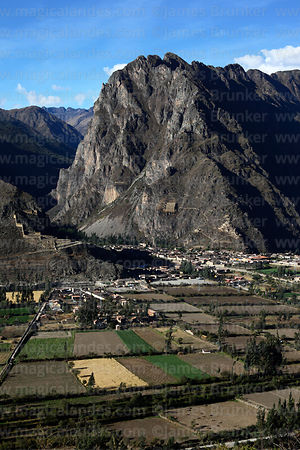 View of Ollantaytambo, Cerro Pinkuylluna and Urubamba valley, Sacred Valley, Peru