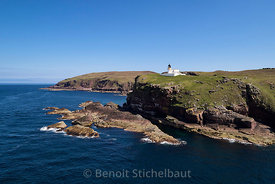 Royaume-Uni, Ecosse, Highlands, Sutherland, Pointe de Stoer, Phare de la pointe de Stoer  (vue aérienne) // United Kingdom, Scotland, Highlands area, Sutherland county, Hiker, Point of Stoer Lighthouse