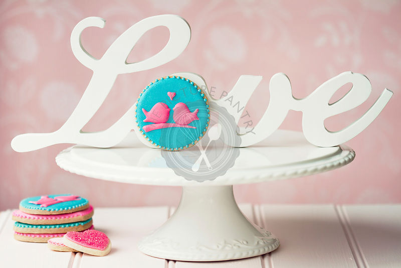 Lovebird cookies with vintage \