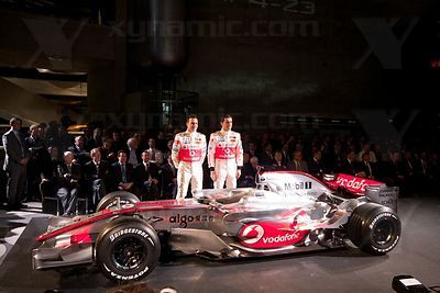 Gary Paffett (GBR), Pedro de la Rosa (ESP), McLaren MP4-23 Launch, Stuttgart, 7th January, 2008