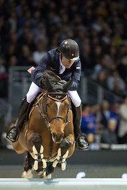 Bordeaux, France, 4.2.2018, Sport, Reitsport, Jumping International de Bordeaux - Grand Prix LAND ROVER .Trophée MAIRIE DE BORDEAUX. Bild zeigt Michael WHITAKER (GBR) riding JB's Hot Stuff (5*)...4/02/18, Bordeaux, France, Sport, Equestrian sport Jumping International de Bordeaux - Grand Prix LAND ROVER .Trophée MAIRIE DE BORDEAUX. Image shows Michael WHITAKER (GBR) riding JB's Hot Stuff (5*).