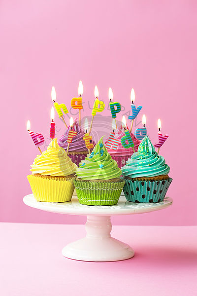 Happy birthday cupcakes
