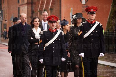 Direct descendants of Richard III walking in the Richard III Reburial Procession
