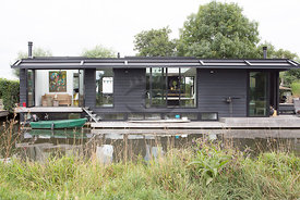 Houseboat Wendy